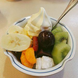 フルーツクリームあんみつ
