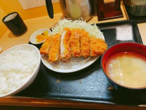 ロースカツ定食税込700円