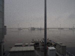 羽田の天気は雨