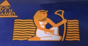 ゴールドのパッケージにクレオパトラがデザイン