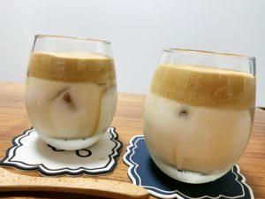 ホイップが緩めなので、ホイップの茶色と牛乳の白とがきれいな2層にならず