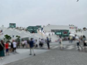 三井アウトレット横浜ベイサイドの海側に隣接するユニクロパーク。