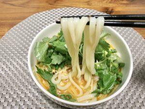 スープがうどんに絡み付いて本当に美味しい