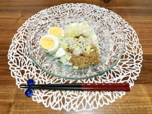 夜ご飯は冷奴と納豆とゆで卵。