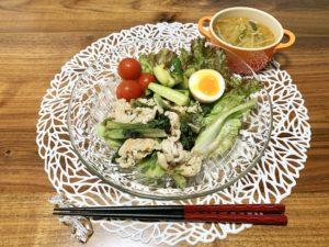 ピリ辛スープとレタスと豚の炒め物と煮卵と醤油漬けきゅうりを作りました。