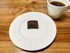 1カット165kcalなので、小ぶりな割にカロリーが高いです。