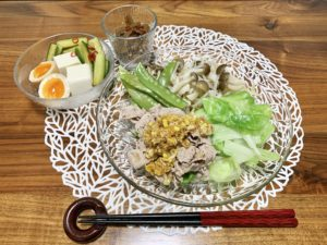 夜ご飯はレシピ本「Yuuのラクうま ベストレシピ」を使用して作りました。香味中華だれをかけて食べた豚キャベツがとっても美味しかったです。