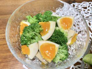 煮卵とブロッコリーのサラダ