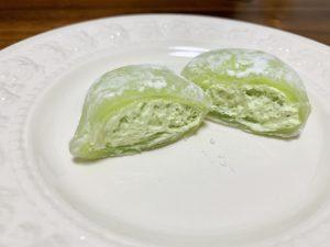メロンクリームにはメロン果汁が使用されているので、しっかりメロンの風味を楽しめます。