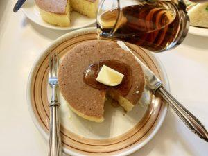 ホットケーキは卵や牛乳のような素材の味を楽しめます
