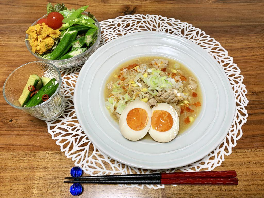 「Yuuのラクうま♡ベストレシピ」から選んだ「もやしのマーボー風とろみ炒め」をメインメニューにした献立です。