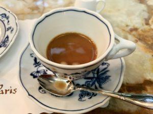 飲んでみると確かに濃厚な味で、酸味が強めのコーヒーでした。