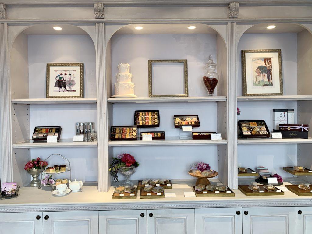 パブロフではギフトの購入も出来ます。引き出物や内祝いなどにパウンドケーキや紅茶が人気なようです。