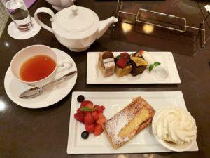 パブロフのパウンドケーキとフレンチトースト最高に美味しかったです。 パリのケーキ屋さんのようなお洒落な空間で食べるスイーツは格別でした。