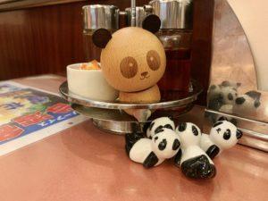 パンダの箸置きと爪楊枝入れ