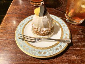 季節限定モンブランセット(税込¥1,200)。