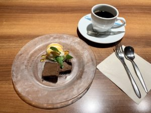 チョコケーキとバニラアイス