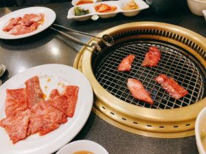 早速お肉を焼いていきます。