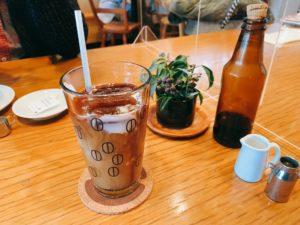コーヒー豆デザインのコップが可愛い。