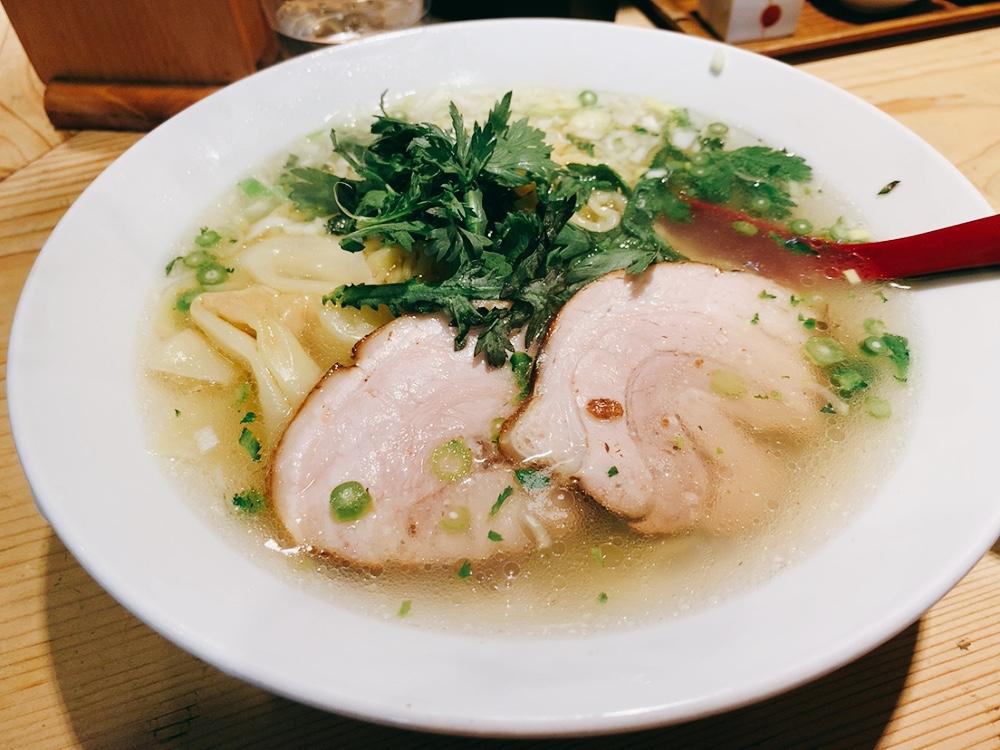 【塩ら〜麺本丸亭】塩ラーメンを実食!本丸塩ら〜麺850円。