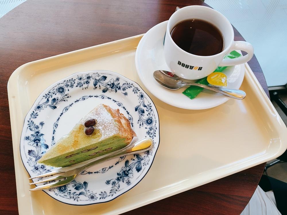現在開催中の「ドトール・春フェア」で販売中の「京都府産宇治抹茶のミルクレープ」を早速食べてきました。