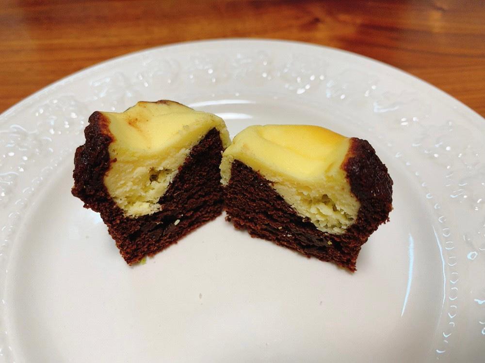 ミセスエリザベスマフィンのクリームチーズトップドチョコレート
