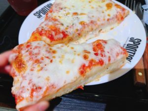【SPONTINI】ボリューミーなピザを実食!