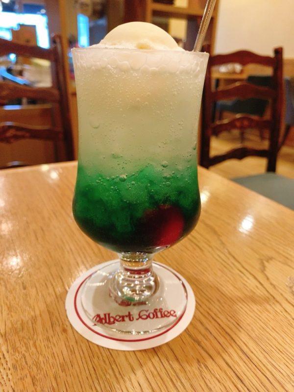 アルバートコーヒーのクリームソーダを実食!